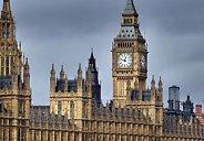 Storbritannia: Risiko forresesjon på sitt høyestesiden finanskrisen