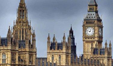 Storbritannia: Risikoen for resesjonpå sitt høyestesiden finanskrisen