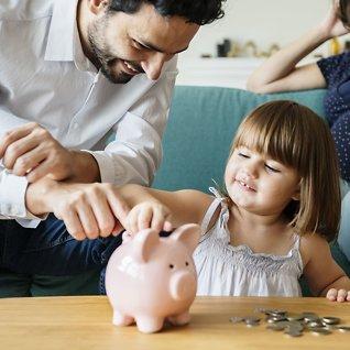 Ekspertenes råd: Slik sparer du til barna i fond