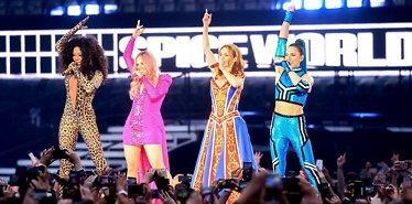 Spice Girls på scenen igjen
