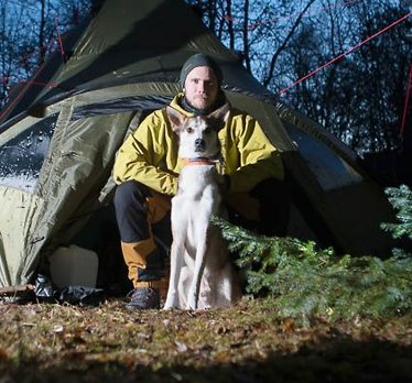Kjetil (28) droppet A4-livet: Solgte alt og flyttet i skogen