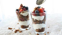 Granola parfaitmed yoghurt