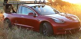 Ble lei av å vente:Bygde sin egen Tesla-pickup