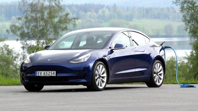 Tesla-salget skyter fart i Norge