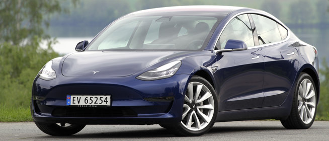 Ny test av Tesla model 3:  Vi blir like målløse