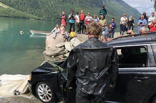 Lovatnet: Reddetopp ulykkesbil