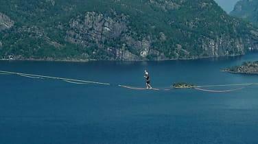 Her spaserer Martin 250 meter over havet