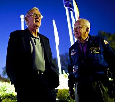 Bruce og Charlie var «Houston»