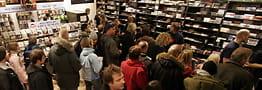 Legger ned nesten alle butikkene