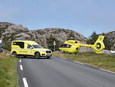 Fall ved Lindesnes fyr:Kvinne fløyet til sykehus