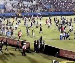 Honduras: Tre fotball-supportere drept