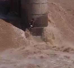 Plutselig stiger vannet