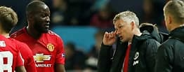 Langer ut mot United