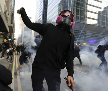 29 pågrepet etter gate-kamper i Hongkong