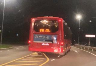 Filmer nattbussen: - Herregud!