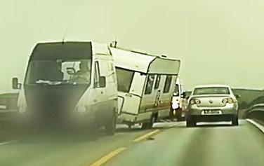 Plutselig tar vinden tak i vognen