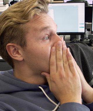 Ny serie med Harm:Her overraskes han på jobb