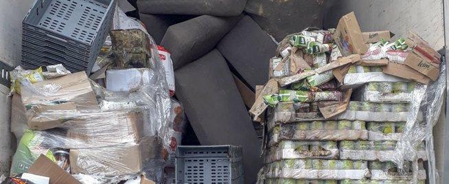 Matbutikk lagret mat i lastebil