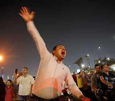 Tilbake til Tahrir-torget i Egypt:- Tåregass og arrestasjoner
